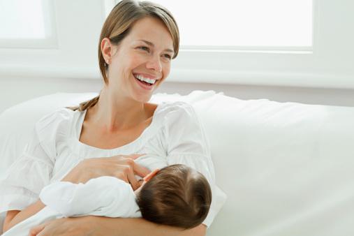 Manfaat Besar ASI untuk Bayi dan Juga Moms