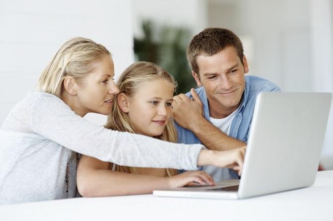 Memperkenalkan Internet Sesuai Usia Anak