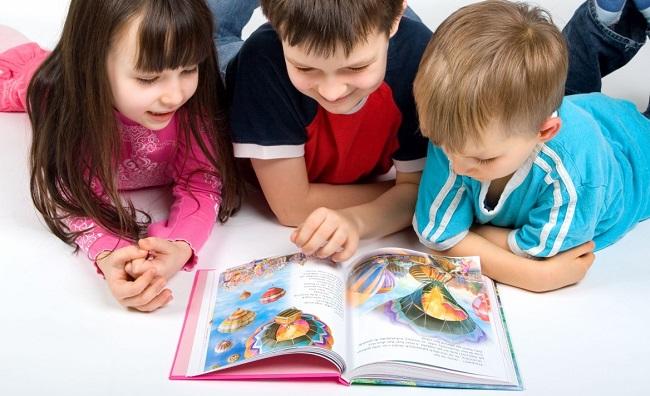 Waktu Tepat untuk Mengajarkan Anak Membaca