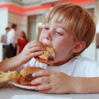 4 Cara Mengendalikan Nafsu Makan Anak Yang Berlebih