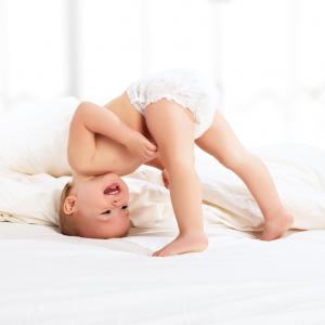 Pentingnya Memilih Popok Yang Baik Untuk Kenyamanan Merangkak Dan Merayap Bagi Bayi