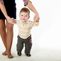 Pentingnya Mengenali Usia Anak Mulai Berjalan