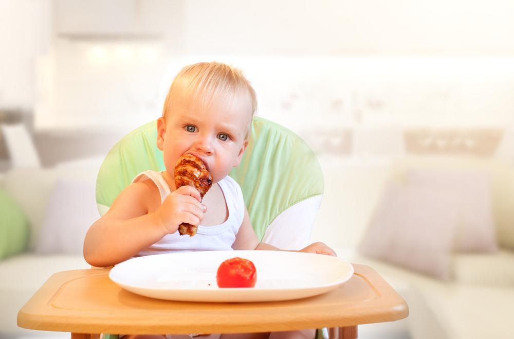 Usia Berapa Sebaiknya Anak Boleh Mengonsumi Makanan Pedas?