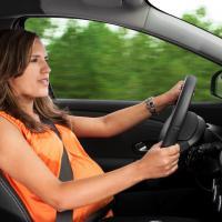 4 Aturan Ibu Hamil dalam Berkendara Sendiri