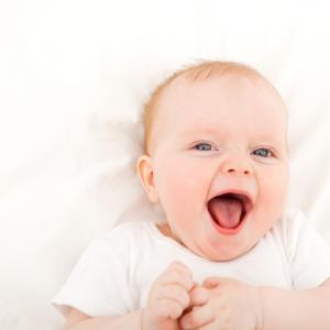 4 Tahap Perkembangan Suara Bayi