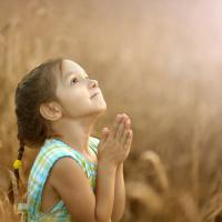 6 Tips Mengajari Balita Berdoa