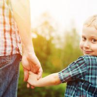 Ingin Anak Tunggal Menjadi Pribadi yang Penyayang?