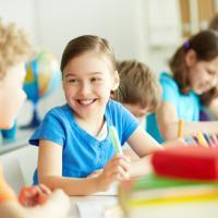 5 Tips Bantu Anak Beradaptasi di Sekolah