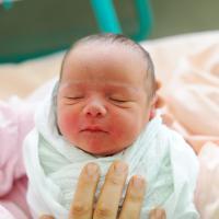Cara Perawatan Tali Pusat Bayi yang Baru Lahir