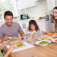 Anak Belajar Mencintai Makanan
