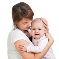 Cara Paling Tepat Merespon Tangisan Bayi