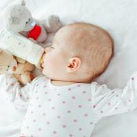 Bayi 5 Bulan Masih Perlu Dibedong?