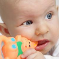 3 Alasan Mengapa Air Liur Bayi Tak Perlu Dikhawatirkan