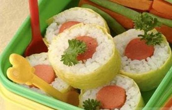 Resep Makanan Balita Nasi Gulung Dadar Isi Sosis