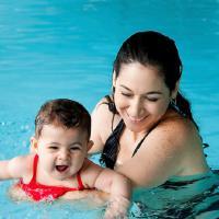 Ajarkan Berenang Untuk Tumbuh Kembangnya