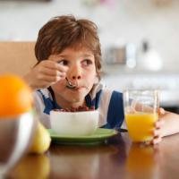 Atasi Susah Makan Anak Dengan Cara Ini
