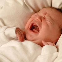 Tips Merawat Kulit Bayi yang Mengelupas (Ganti Kulit)