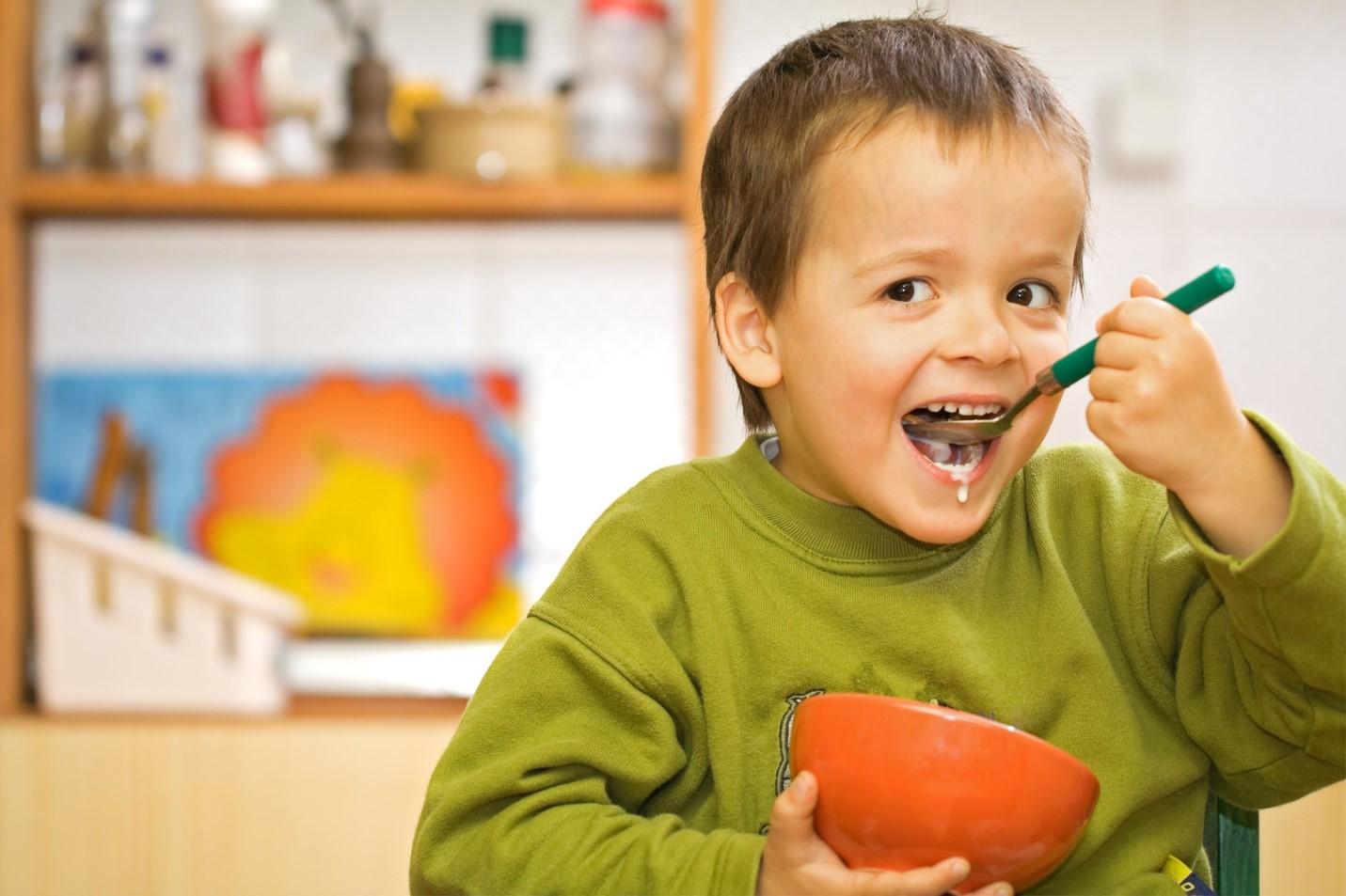 Normalkah Si Kecil yang Banyak Makan?
