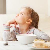 Ternyata 3 Penyakit Ini Sebabkan Si Kecil Susah Makan