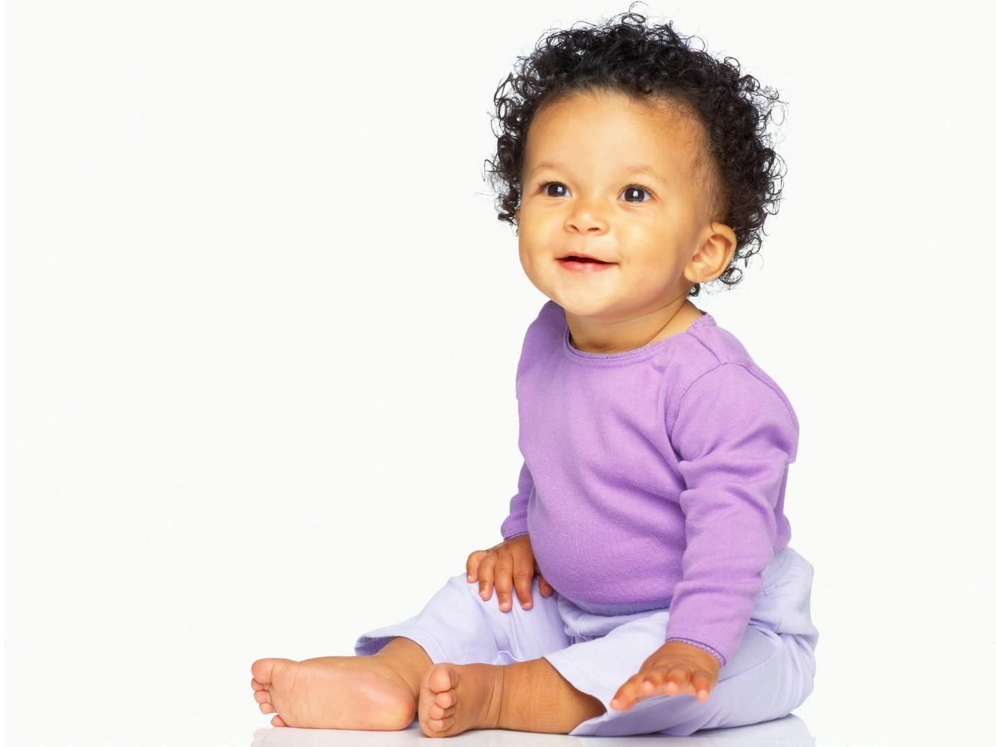 Cara Merawat Rambut Keriting Pada Bayi