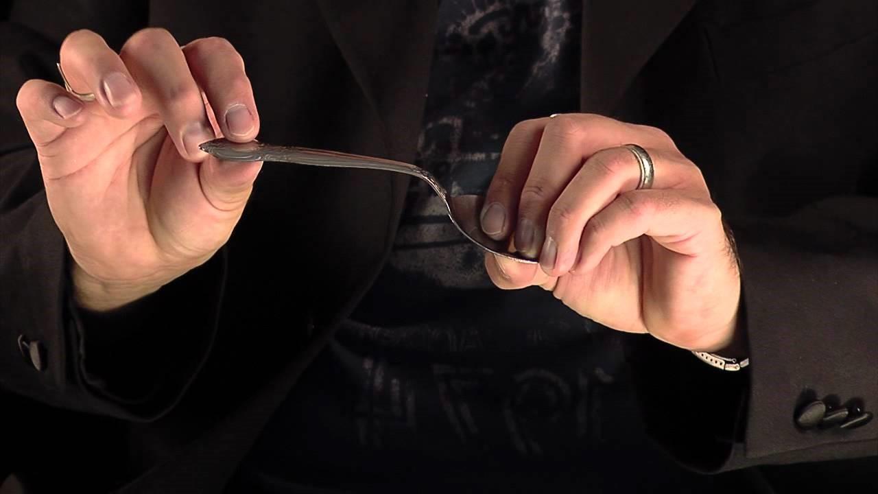 Bending Spoon : Trik Sulap untuk Menghibur Si Kecil
