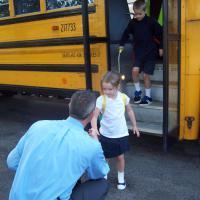 Sekolah Pertamanya! Yuk Dampingi Dia!