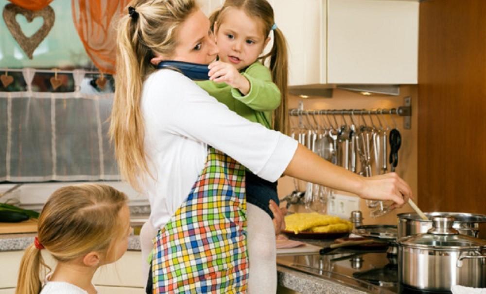 Balance Antara Parenting Si Kecil dengan Rumah Tangga? Bisa!