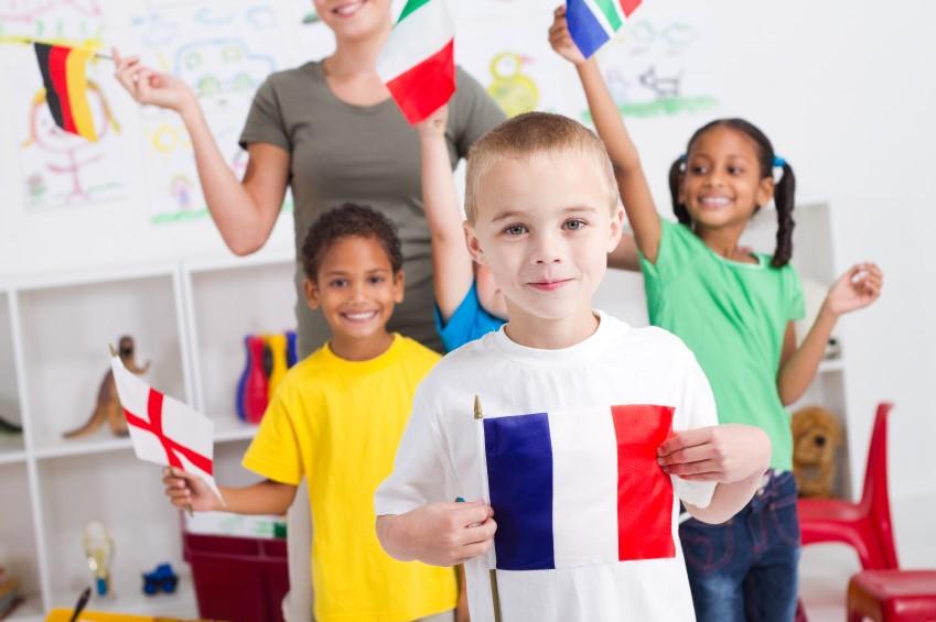Inilah Cara Ajari Anak Bahasa Asing