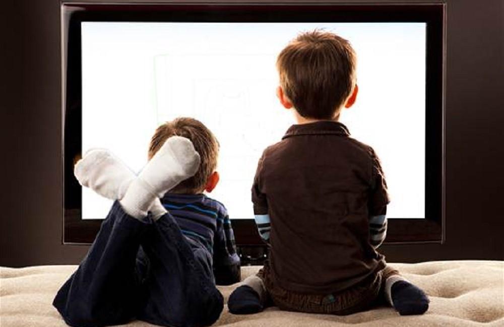 Seberapa Besar Pengaruh Tontonan TV Pada Perilaku Si Kecil?