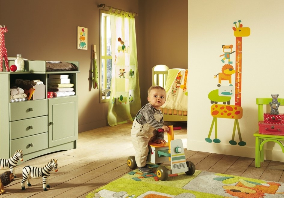 Tips Agar Si Kecil Aman Bermain di Rumah