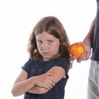 Ini Efeknya Kalau Moms Sering Mengiming-Imingi Si Kecil!