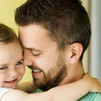 Inilah Manfaat Selera Humor Seorang Ayah Saat Mengasuh Si Kecil