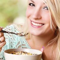 8 Nutrisi Penting Ini Wajib Dikonsumsi Saat Trimester Pertama!