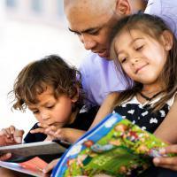 Tips Agar Dads Pintar Mendongeng untuk Si Kecil