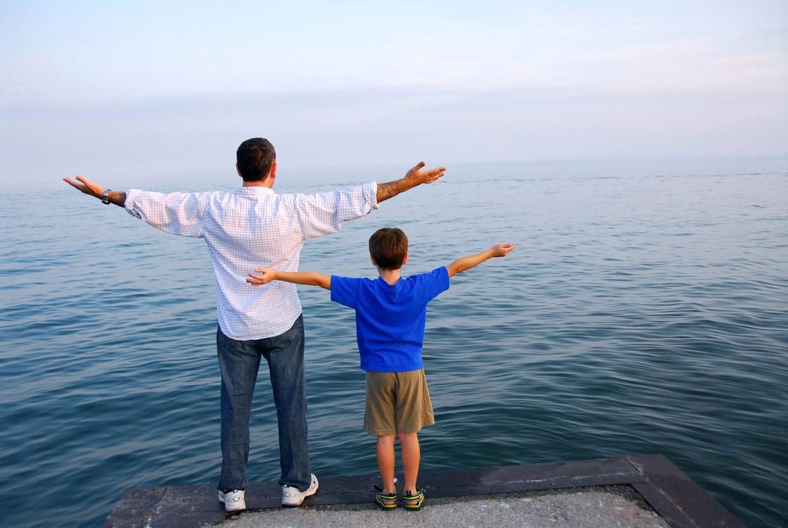 Jangan Lakukan Ini Saat Disiplinkan Si Kecil ya Dads!