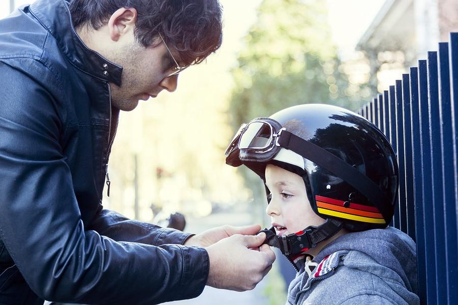 Tips Aman Si Kecil Naik Ojek