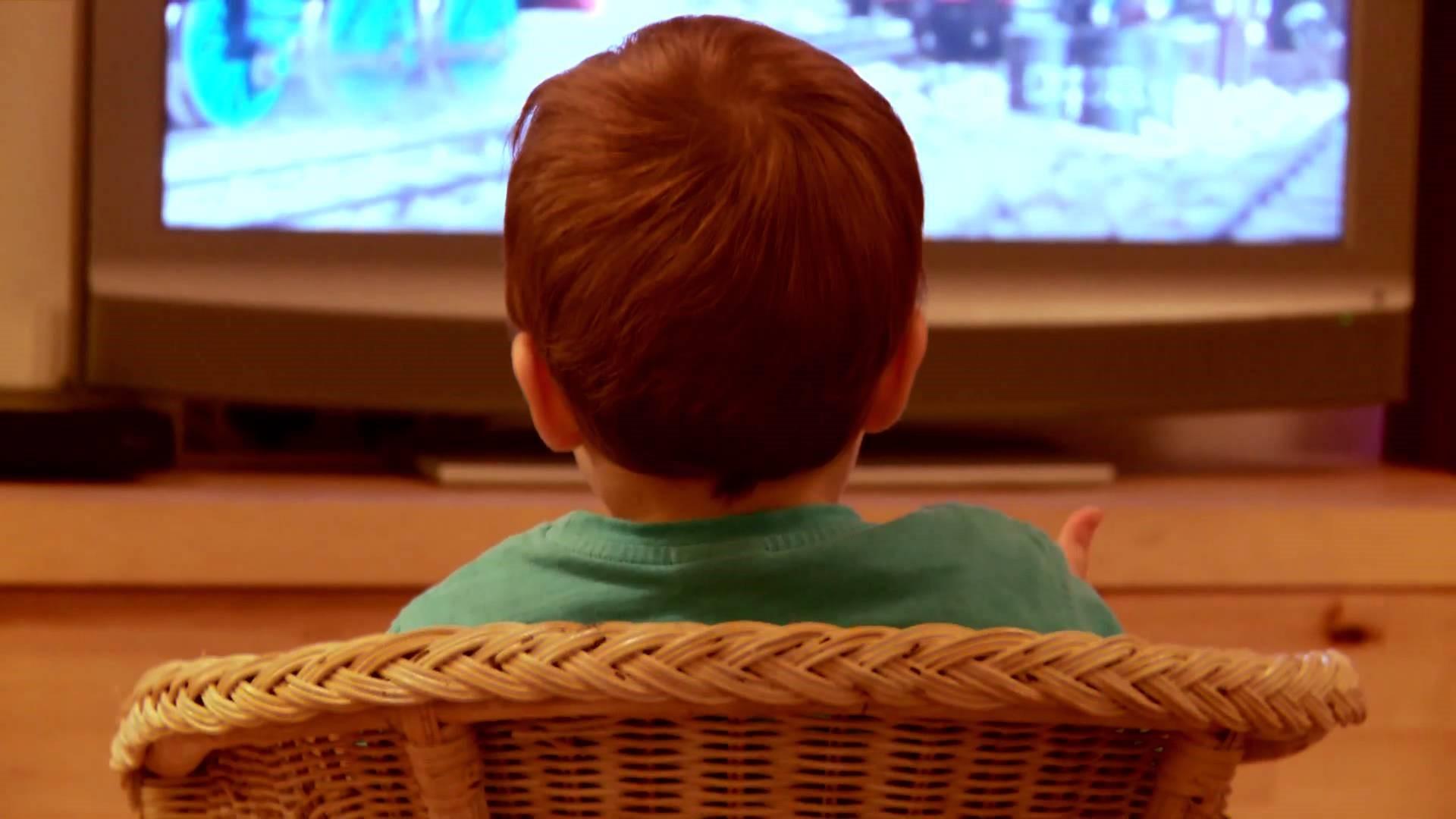 Tips Memilih Film yang Cocok untuk Si Kecil