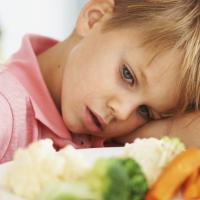 Apa yang Sebaiknya Moms Lakukan Saat Nafsu Makan Si Kecil Berkurang?