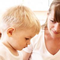 Apakah Si Kecil Sudah Mulai Suka Mengarang Cerita Moms?