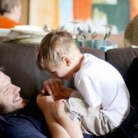 Beberapa Permainan Menyenangkan yang Bisa Dads Lakukan Bersama Si Kecil