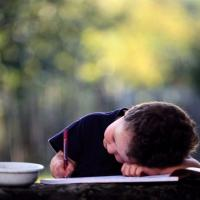 Cara Mengasah Kemampuan Menulis Si Kecil
