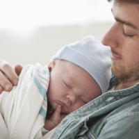 Dads, Ini Tips untuk Menidurkan Si Kecil