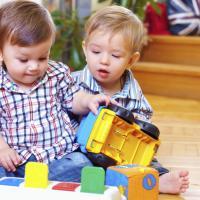 Normalkah Kalau Si Kecil Selalu Aktif & Tidak Bisa Diam?
