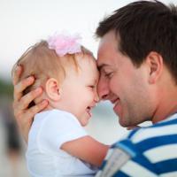 Rangsang Pertumbuhan Si Kecil dengan 4 Hal Ini Ya Dads!