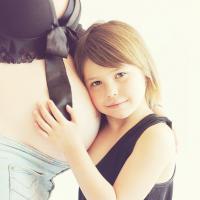 Ternyata Punya Adik Bisa Cegah Si Kecil Kelebihan Berat Badan Lho Moms