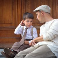 Yang Bisa Dads Lakukan Saat Si Kecil Mogok Sekolah