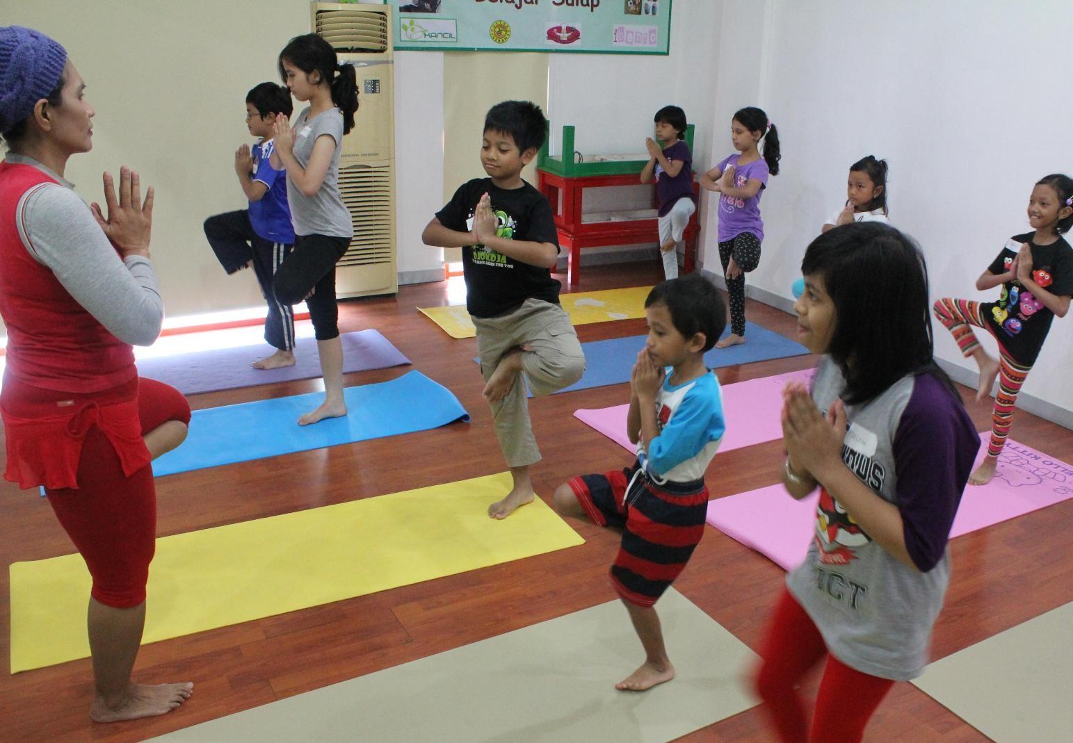Yoga untuk Si Kecil, Kenapa Tidak?