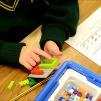 Ajari Si Kecil Matematika Pakai Lego Yuk Moms!
