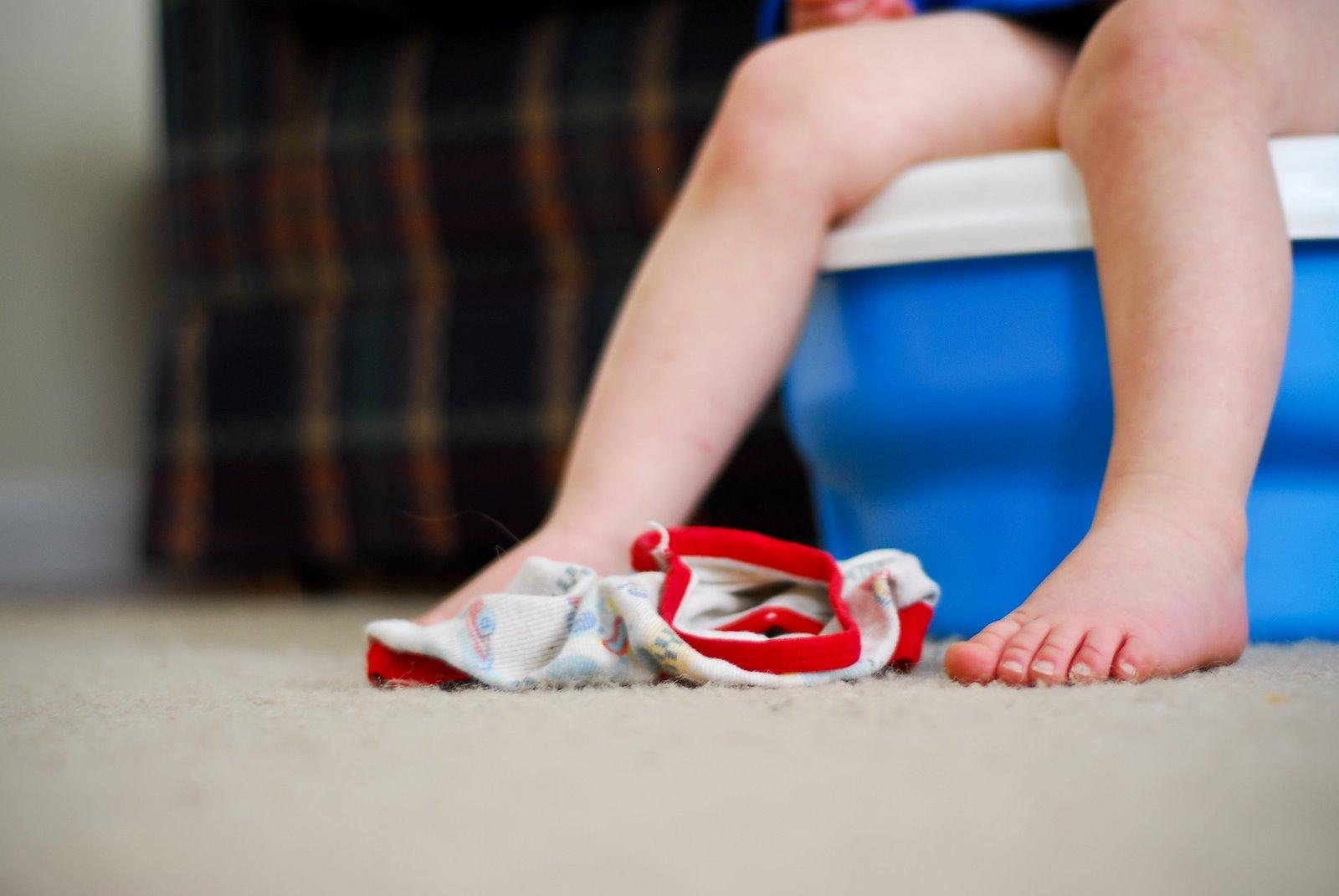 Tidak Cuma Moms, Dads Juga Bisa Ajari Si Kecil Potty Training