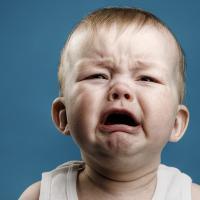 Fakta Penting Seputar Shaken Baby Syndrome yang Harus Moms Ketahui